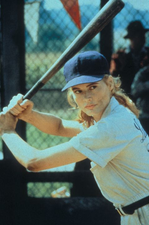 Dottie Hinson (Geena Davis) ist unbestritten die beste Spielerin der Liga. - Bildquelle: Columbia Pictures