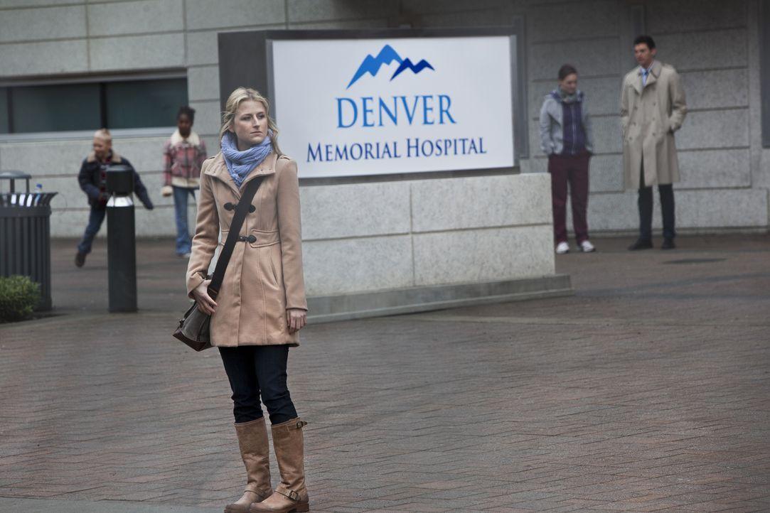 Emily Owens (Mamie Gummer) ist eine frischgebackene Assistenzärztin und möchte in ihrem neuen Job richtig durchstarten. Doch schon bald muss sie fes... - Bildquelle: 2012 The CW Network, LLC. All rights reserved.