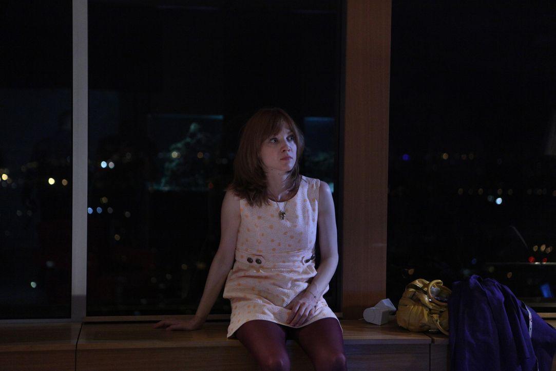 Bei ihrem neusten Fall scheint wirklich nichts so zu sein, wie es auf den ersten Blick erscheint: Chloé (Odile Vuillemin) ... - Bildquelle: Xavier Cantat 2011 BEAUBOURG AUDIOVISUEL