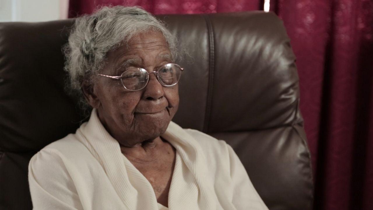 Sie erlebte den Hurrikan Katrina hautnah: C. Gardner spricht über ihre Erlebnisse, als einer der schlimmsten Stürme der US-Geschichte über ihre Heim... - Bildquelle: 2014 The Weather Channel LLC