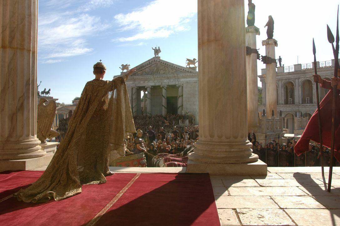 Am Tag seiner Krönung muss der erst 12-jährige Kaiser Romulus Augustus (Thomas Sangster) erleben, wie Barbaren seine Eltern töten, Rom in Brand s... - Bildquelle: TOBIS Filmkunst GmbH & Co. Verleih KG