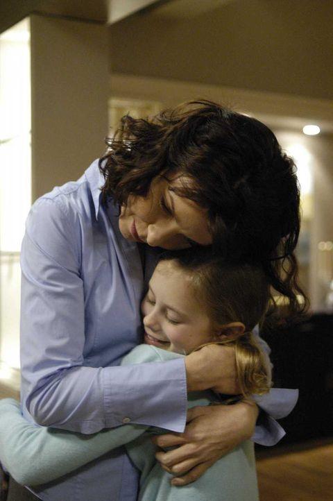 Sind glücklich miteinander: Diana (Jacqueline McKenzie, l.) und Maia (Conchita Campbell, r.) ... - Bildquelle: Viacom Productions Inc.