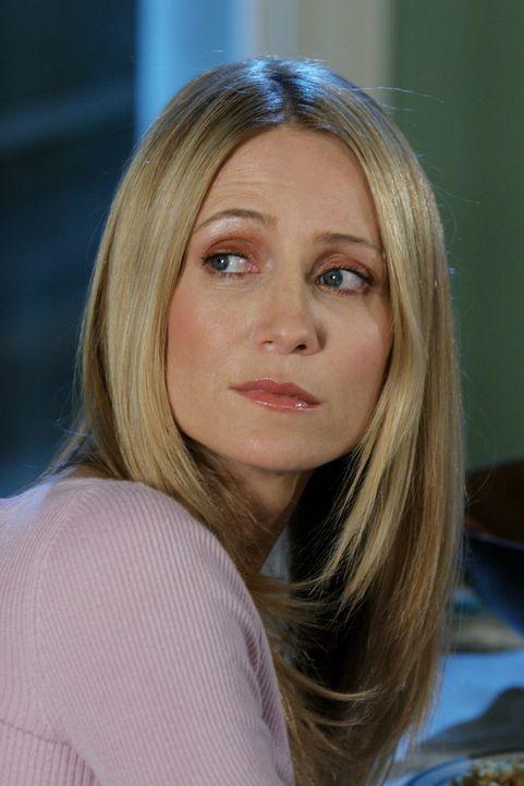 Kirsten (Kelly Rowan) setzt der bedrückten Stimmung schließlich ein Ende und beschließt, dass alle gemeinsam das Thanksgiving-Essen vorbereiten ... - Bildquelle: Warner Bros. Television