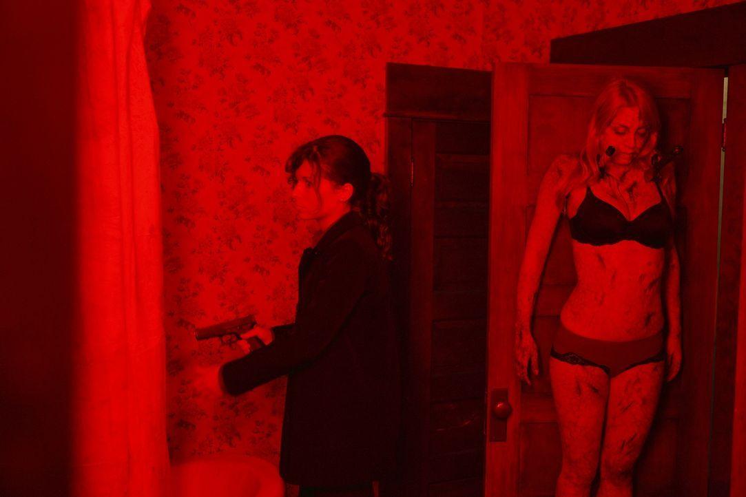 Kommt zu spät: FBI-Agentin Frankie Miller (Holly Elissa Dignard) ... - Bildquelle: Nu Image