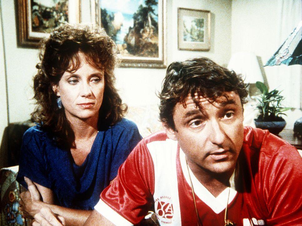 Richard (James Whitmore Jr., r.) und Susan (Jenny Sullivan, l.) erzählen Brad, dass er eine vietnamesische Halbschwester hat. - Bildquelle: Worldvision Enterprises, Inc.