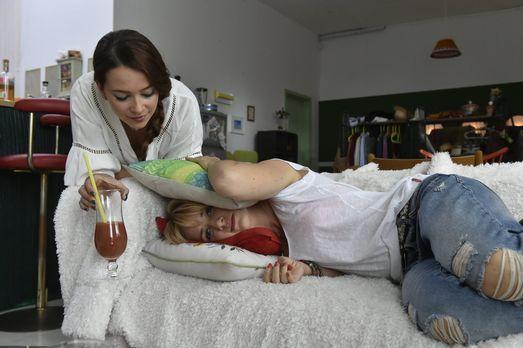 Mila - Nach alldem was geschehen ist, möchte sich Mila (Susan Sideropoulos, r...