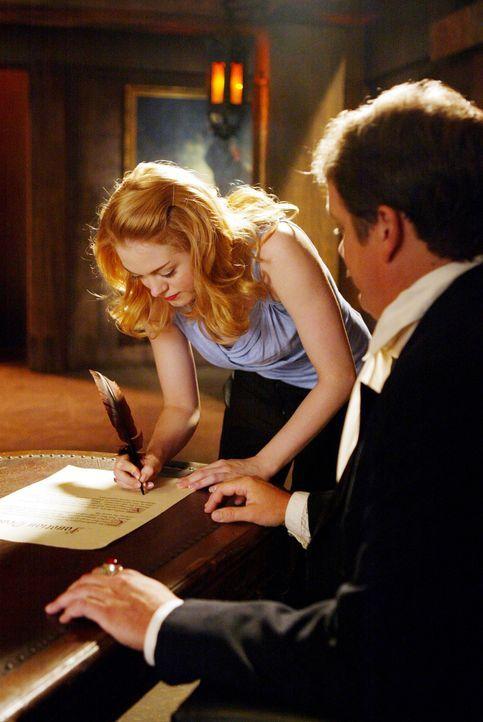 Paige (Rose McGowan, l.) arbeitet gerade bei dem Anwalt Larry Henderson, als er vor ihrer Augen von einem Dämon getötet wird ... - Bildquelle: Paramount Pictures.