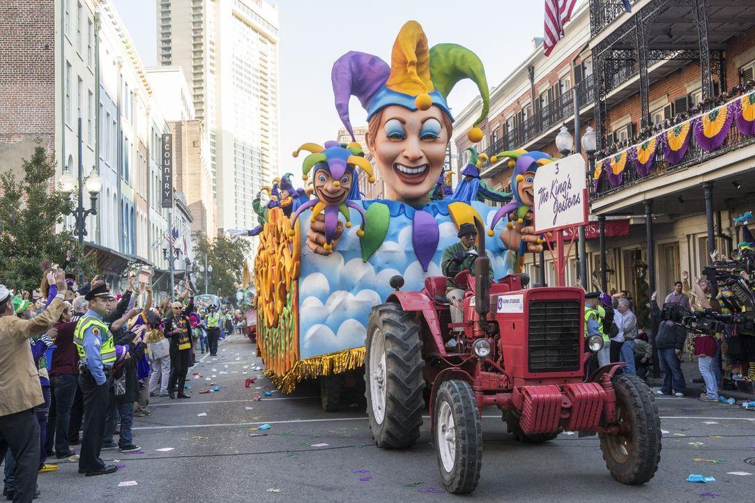 Beim Karneval von New Orleans wird Navy Petty Officer Toussaint Patrice tot aufgefunden. Ein Fall für das NCIS-Team ... - Bildquelle: 2015 CBS Broadcasting, Inc. All Rights Reserved