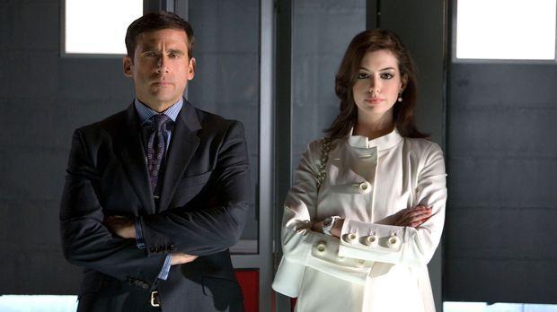Als das Hauptquartier der geheimen Spionage-Agentur CONTROL angegriffen wird...