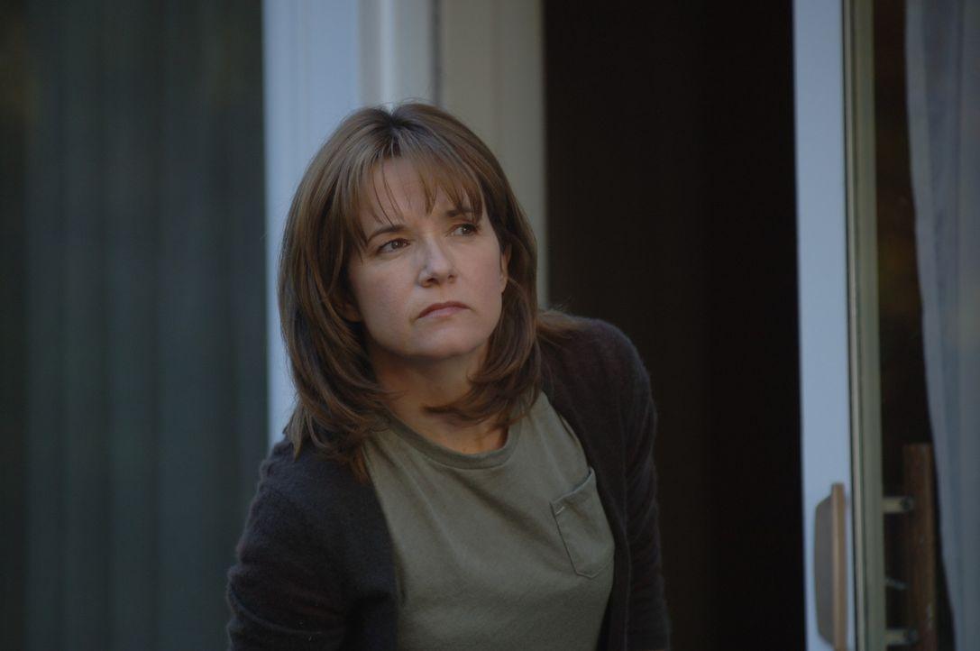 Der schrecklichste Tag in ihrem Leben wartet auf Debbie Smith (Lea Thompson) ... - Bildquelle: INCENDO SMITH PRODUCTION INC. All rights reserved