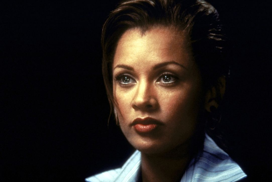 Eines Tages wendet sich die attraktive Lee Cullen (Vanessa Williams), die in leitender Funktion bei einem Rüstungskonzern arbeitet, an das FBI ... - Bildquelle: Warner Brothers International Television Distribution Inc.