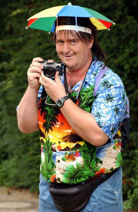 Markus Maria Profitlich ist ein Beerdigungs-Tourist (Staffel 3). - Bildquelle: Sat.1