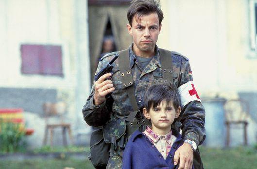 10 Stunden Angst - Die Friedensmission - Ist Unteroffizier Matthis (Felix Eit...
