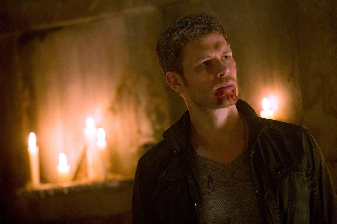 Klaus lässt Blut - Bildquelle: Warner Bros. Entertainment Inc.