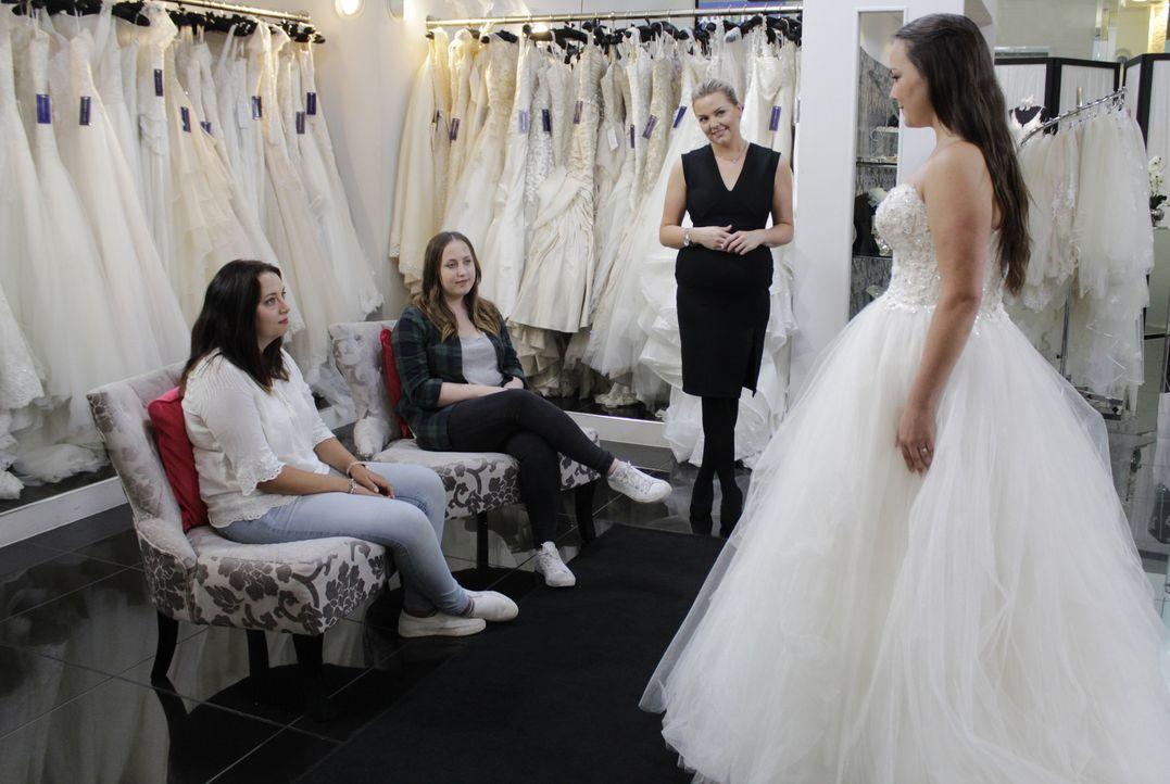 Schauspielerin Michelle sucht nach einem unkonventionellen Hochzeitskleid, w... - Bildquelle: TLC & Discovery Communications
