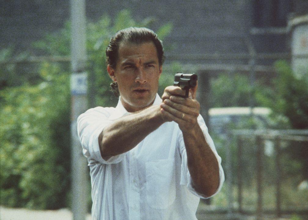 Nico Toscani (Steven Seagal) ist Polizist in Chicago. Einsatzgebiet des eigenwilligen Einzelkämpfers ist die Drogenfahndung ... - Bildquelle: Warner Bros.