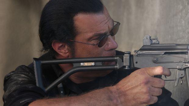 Söldner John Seeger (Steven Seagal) ist einer der besten in seinem blutigen G...
