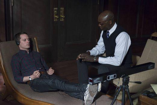Wilfred - Mit seinem innovativen Therapieansatz will Dr. Blum (Lance Reddick,...