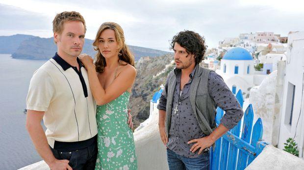 Als Tim (Wanja Mues, l.) kurz vor der Hochzeit mit Vanessa (Alissa Jung, M.)...