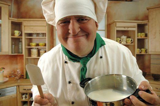 Markus Maria Profitlich versucht sich als Koch. - Bildquelle: Sat.1