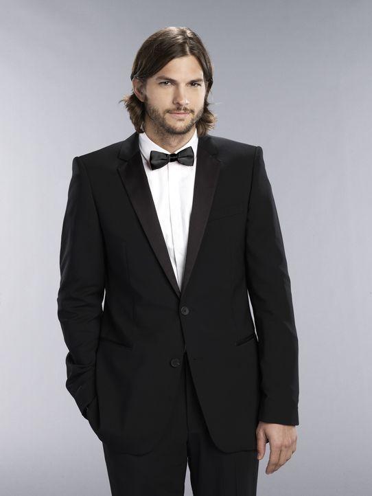 (9. Staffel) - Der suizidgefährdete Internet-Milliardär, Walden Schmidt (Ashton Kutcher), hat eine starke Anziehungskraft auf Frauen hat, die er a... - Bildquelle: Warner Brothers Entertainment Inc.