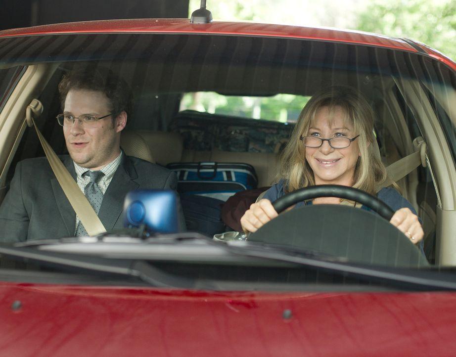 Noch sind Andy (Seth Rogen, l.) und seine Mutter (Barbra Streisand, r.) guter Dinge, doch als die Verkaufstour immer mehr zum Desaster gerät, kippt... - Bildquelle: Sam Emerson MMXII Paramount Pictures Corporation. All Rights Reserved.