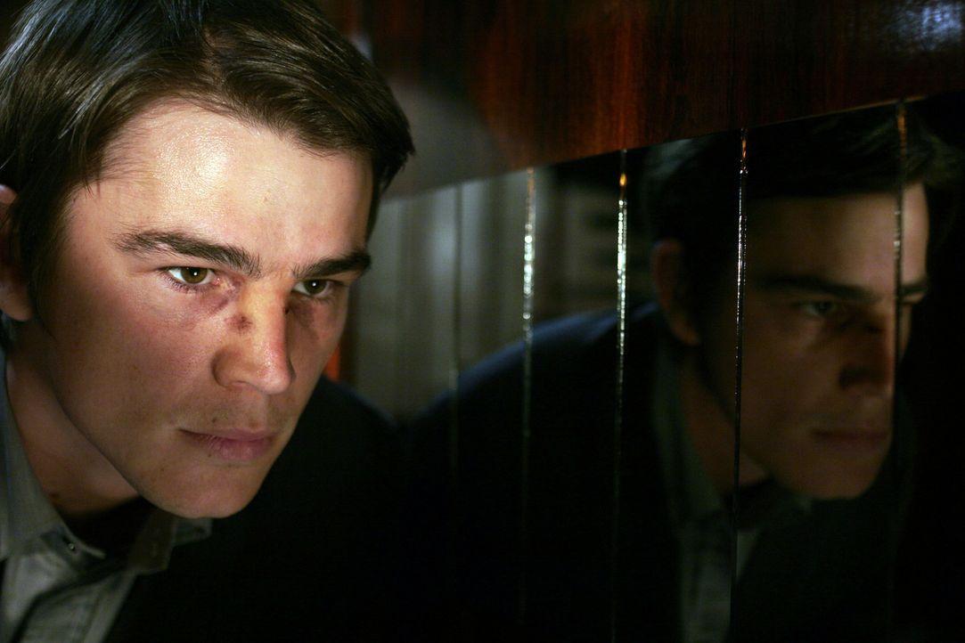 Slevin (Josh Hartnett) hat heute einfach nur Pech: Zuerst verliert er seine Frau, dann seinen Job, danach wird er überfallen - und jetzt gerät er... - Bildquelle: Metro-Goldwyn-Mayer (MGM)