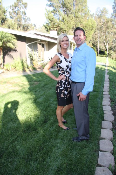 Tarek und Christina bekommen ein Angebot, das zu gut um wahr zu sein scheint ... - Bildquelle: 2013,HGTV/Scripps Networks, LLC. All Rights Reserved