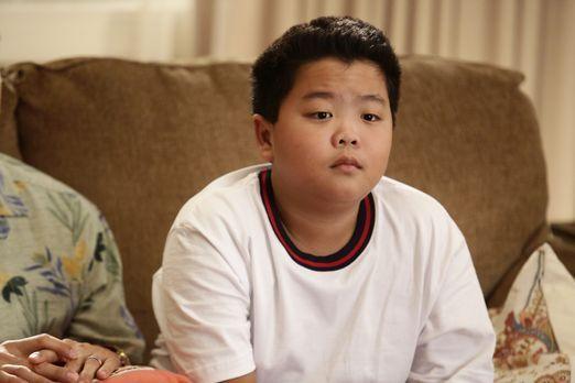 Eddie (Hudson Yang) plagen Selbstzweifel, denn er möchte die Schule am liebst...