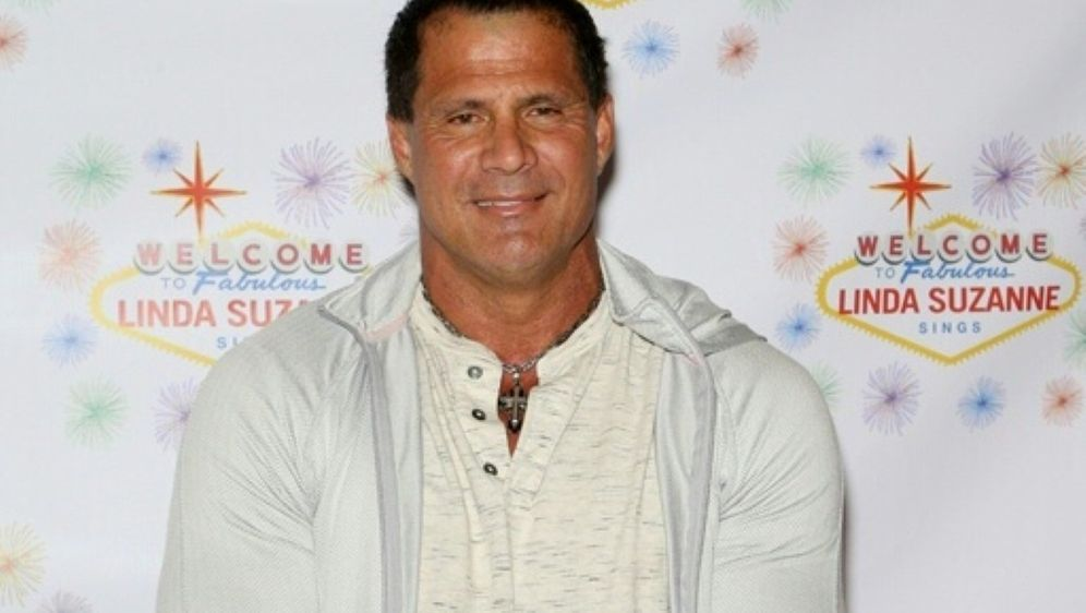Jose Canseco hinterfragt Donald Trumps Fitness - Bildquelle: AFPGETTY IMAGES NORTH AMERICASIDGabe Ginsberg