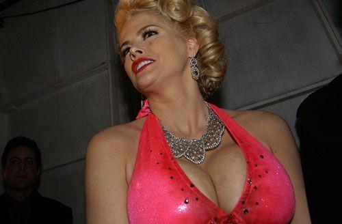 Gal. Anna Nicole Smith - Früshtücksfernsehen - Bildquelle: getty - AFP