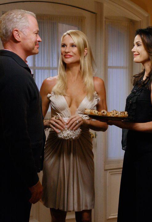 Karen McCluskey wird siebzig Jahre alt und Dave (Neal McDonough, l.) organisiert zu ihren Ehren eine Überraschungsparty, die in Susans (Teri Hatcher... - Bildquelle: ABC Studios