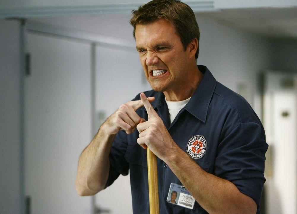 Ist von Dr. Maddox noch nicht angetan: der Hausmeister (Neil Flynn) ... - Bildquelle: Touchstone Television