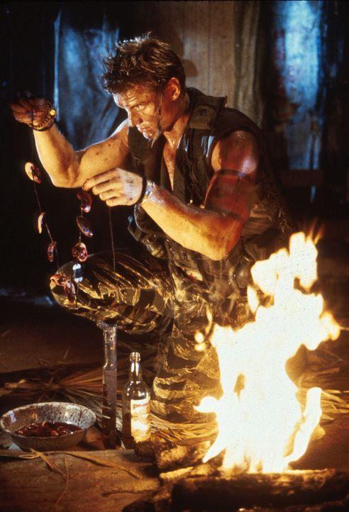 Als Andrew Scott (Dolph Lundgren) sich seines alten Feindes erinnert, gibt es kein Halten mehr ... - Bildquelle: 1992 TriStar Pictures
