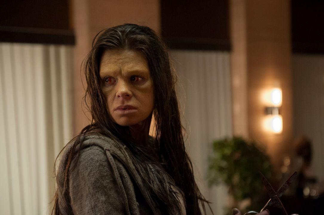 Das Cotard-Syndrom raubt Georgia Madchen (Ellen Muth) die Fähigkeit zur Gesichtserkennung. Lässt es sie auch zur Mörderin werden? - Bildquelle: Brooke Palmer 2013 NBCUniversal Media, LLC