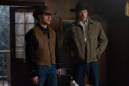Supernatural - In der Vergangenheit müssen Sam (Jared Padalecki, r.) und Dean...