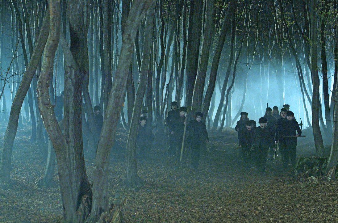 Die Kinder des Bergwerkes ruhen leider nicht in Frieden: Jede Nacht erheben sie sich als fleischfressende Zombies und machen Jagd auf jeden, den sie... - Bildquelle: Nu Image Films