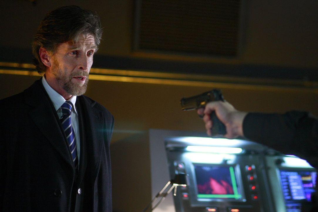 Kann gut verbergen, dass er Clark gefangen genommen hat: Lionel Luther (John Grover) ... - Bildquelle: Warner Bros.