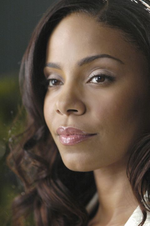 Burts Frau, Michelle (Sanaa Lathan), macht Christian ein interessantes Angebot ... - Bildquelle: TM and   2004 Warner Bros. Entertainment Inc. All Rights Reserved.