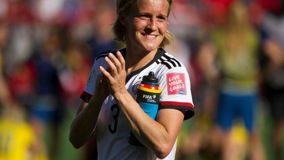 Losfee im Pokal: Ex-Nationalspielerin Saskia Bartusiak - Bildquelle: PIXATHLONPIXATHLONSID