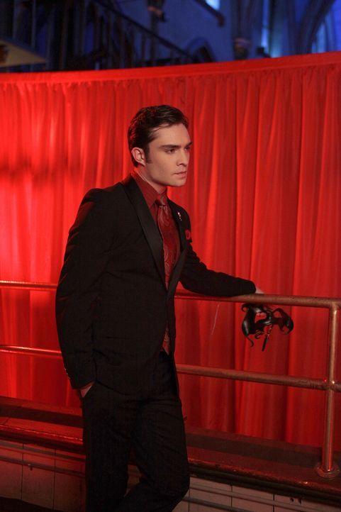 Veranstaltet eine Maskenparty im Empire Hotel: Chuck (Ed Westwick) ... - Bildquelle: Warner Bros. Television