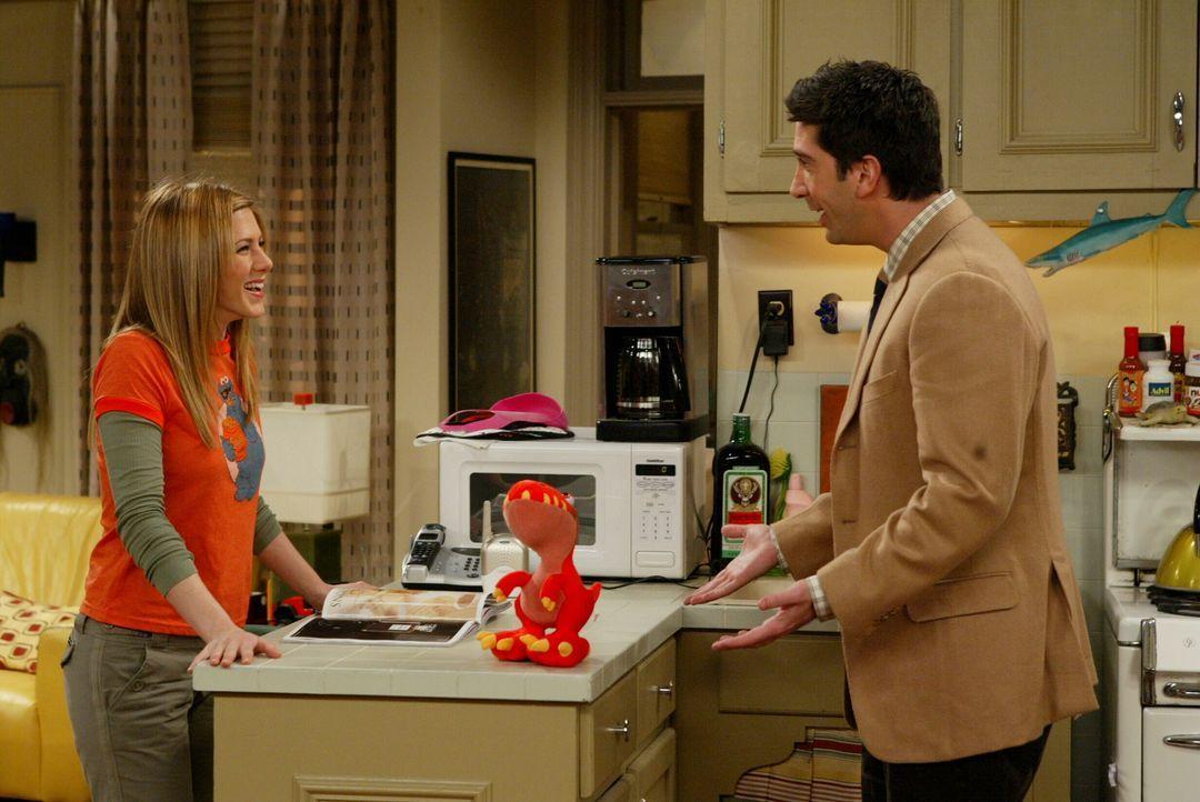 Will nicht wahrhaben, dass Rachel (Jennifer Aniston, l.) nach Paris geht: Ross (David Schwimmer, r.) ... - Bildquelle: 2003 Warner Brothers International Television