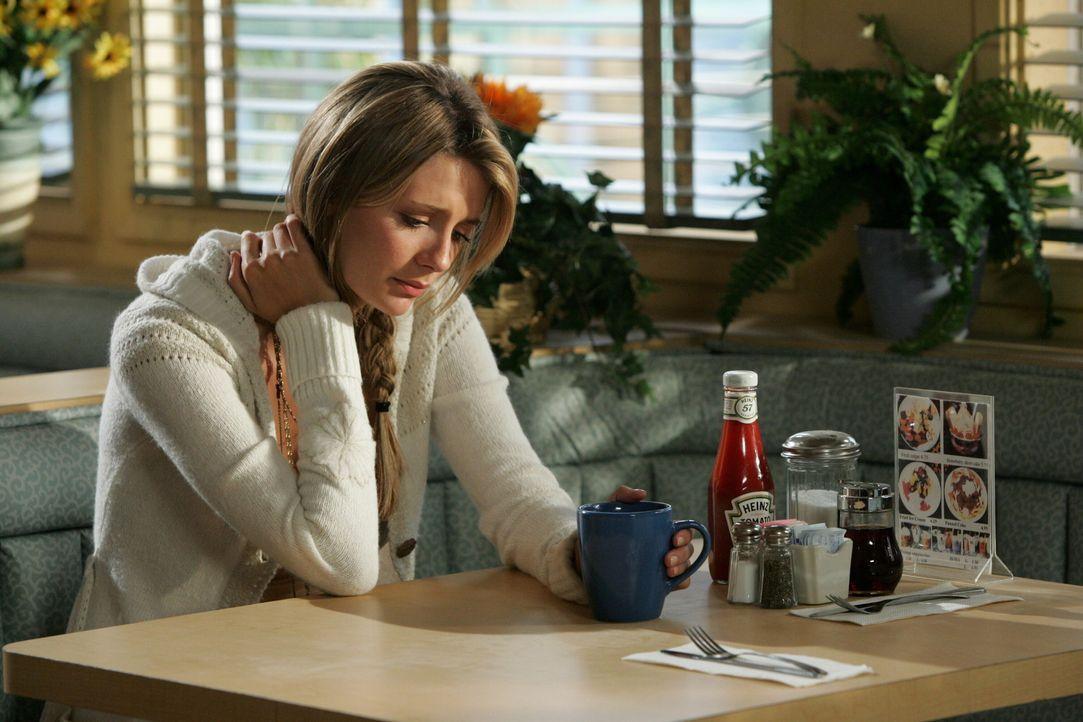 Als Ryan am nächsten Tag aufs Schiff gehen will, um anzuheuern, taucht Marissa (Mischa Barton) auf und macht ihm Vorwürfe, genau wie ihr Vater ein... - Bildquelle: Warner Bros. Television