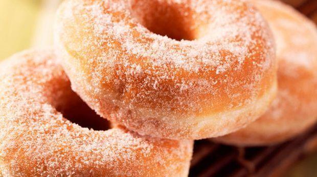 Apfel Donuts mit Zucker bestreut