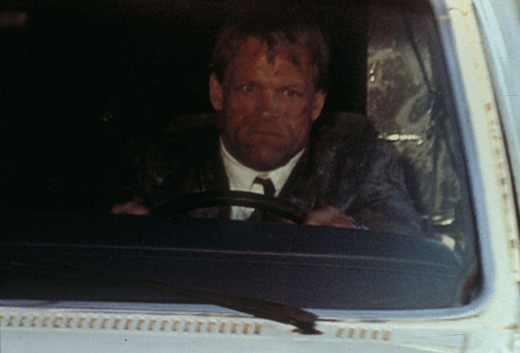 Ein geheimnisvoller Kopfgeldjäger (Brian Thompson) will unbedingt seine Mission erfüllen. - Bildquelle: TM +   Twentieth Century Fox Film Corporation. All Rights Reserved.