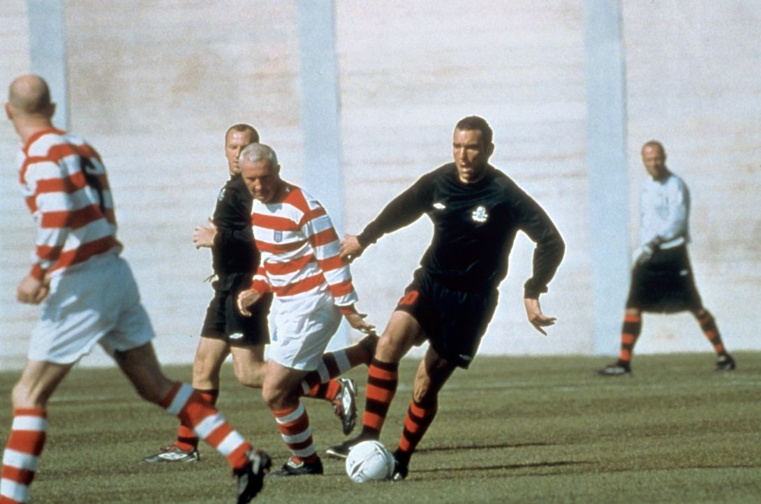 Selbst im Gefängnis beherrscht der Fußball sein Leben: Danny Meehan (Vinnie Jones) ... - Bildquelle: Paramount Pictures