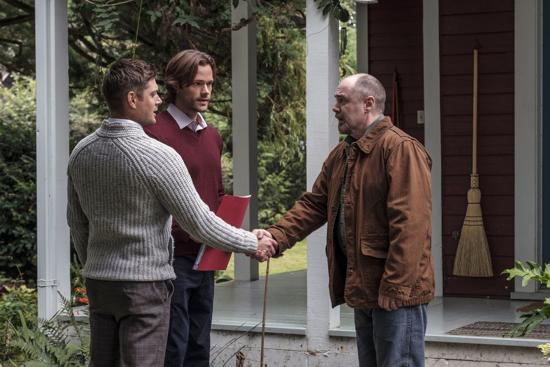 (v.l.n.r.) Dean (Jensen Ackles); Sam (Jared Padalecki); Abraham Peterson (William MacDonald) - Bildquelle: Robert Falconer 2016 The CW Network, LLC. All Rights Reserved/Robert Falconer