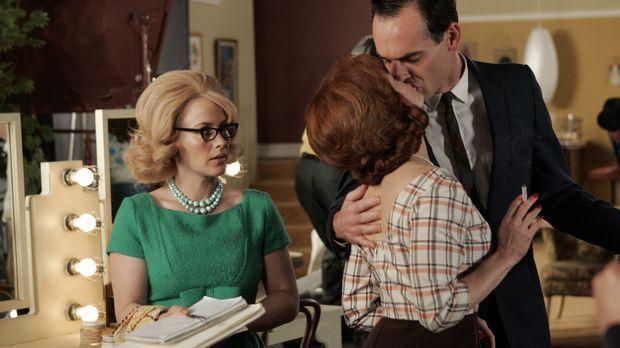 In ihrem Traum findet sich Allison (Patricia Arquette, l.) als Assistentin de...