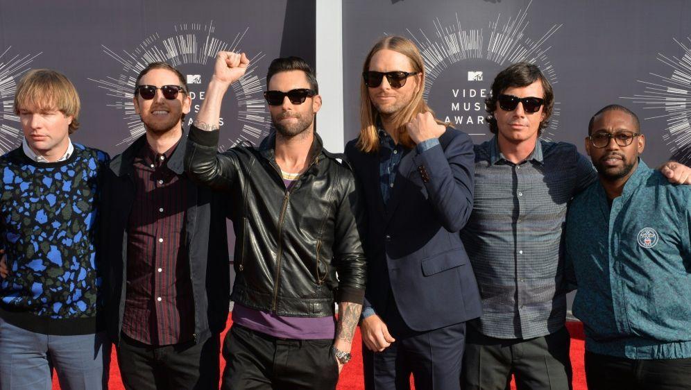 Maroon 5 wird beim Super Bowl die Halbzeitshow spielen - Bildquelle: AFPSIDMARK RALSTON