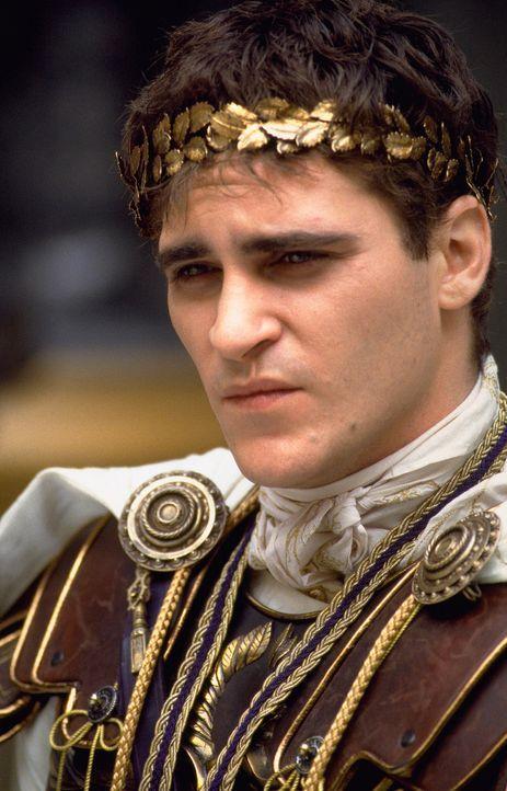 Von seinem Vater wenig geliebt und aus diesem Grund nicht für den Thron vorgesehen, lässt Commodus (Joaquin Phoenix) seinen Vater ermorden. Er beste... - Bildquelle: Universal Pictures